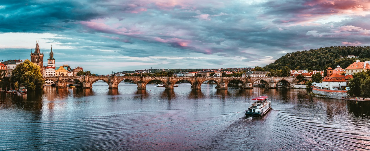 Praga ponte San Carlo