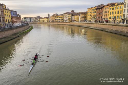 Pisa - Canottieri sul lungarno
